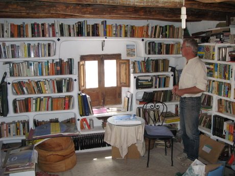The library, an inspirational place to write a book