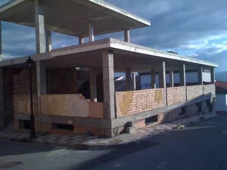abandoned-construction