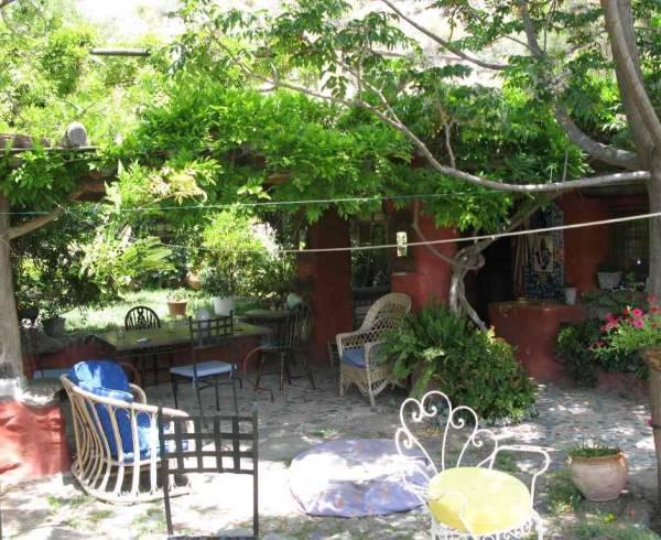 andalucia-alpujarras-chris-stewart-terrace