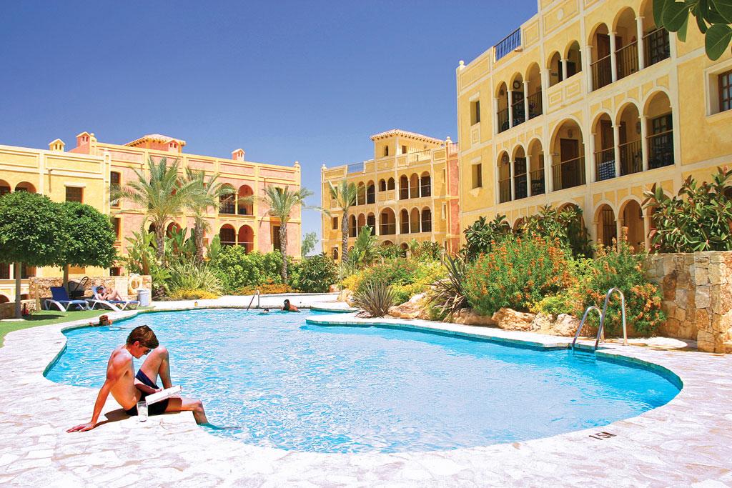desert-springs-almanzora-almeria-Las-Sierras-Poolside