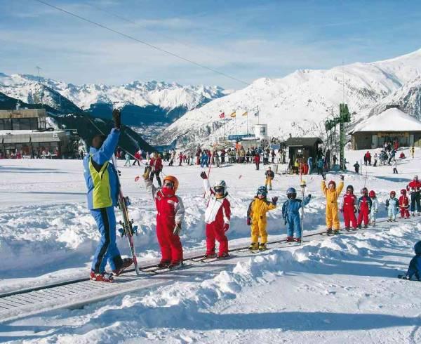 pyrenees-baqueira-kids-ski-school