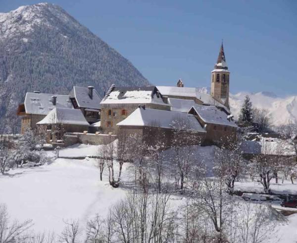 pyrenees-baqueira-village