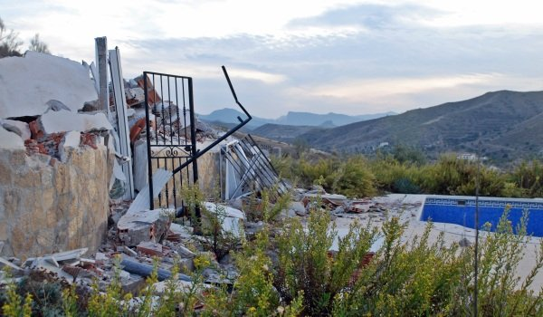 Demolition houses in Spain