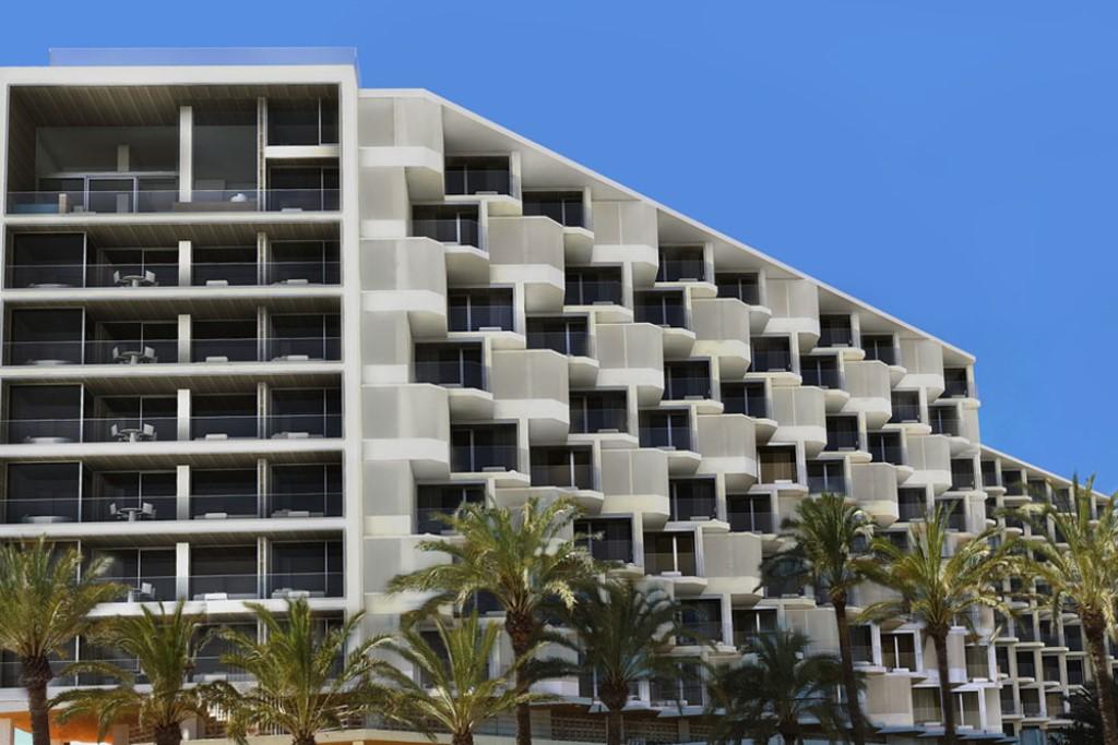 Hard Rock Ibiza_Hotel_(1024 x 683)