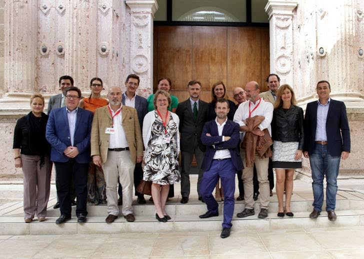 AUAN Property rights activists and members of the Andalusian regional parliament