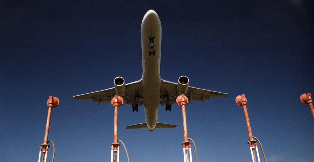 Airport_airplane_Aena