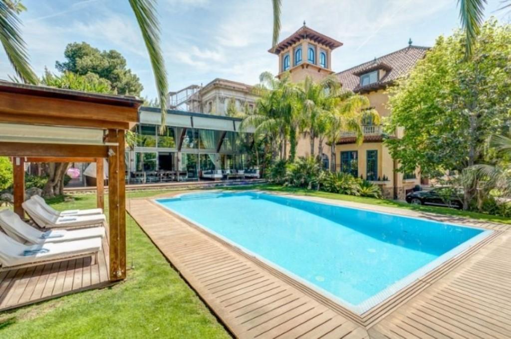 Mestre_Druglord Mansion for sale (1024 x 681)