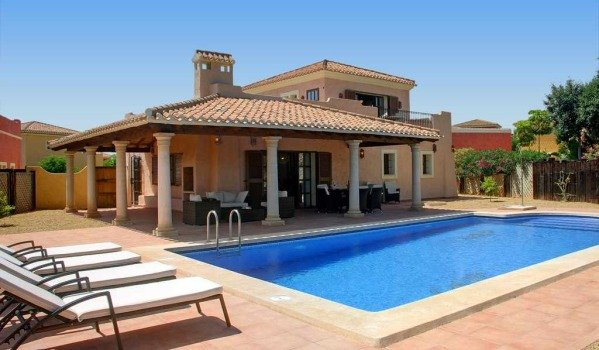 holiday rental villa spain with pool