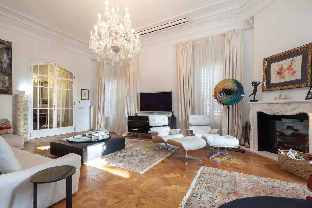 Mallorca_palace_living_room