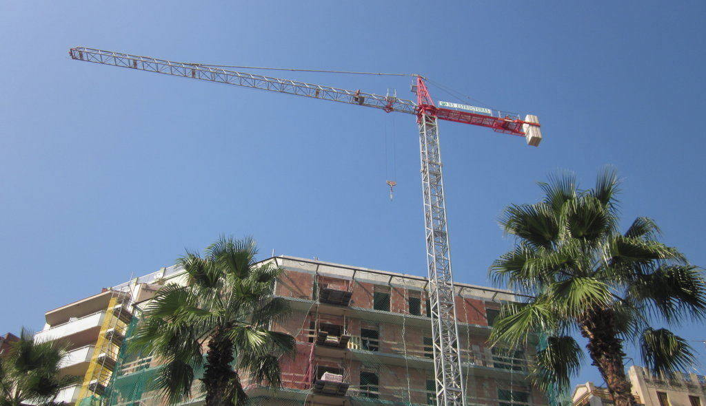 Barcelona_Construction_Cranes