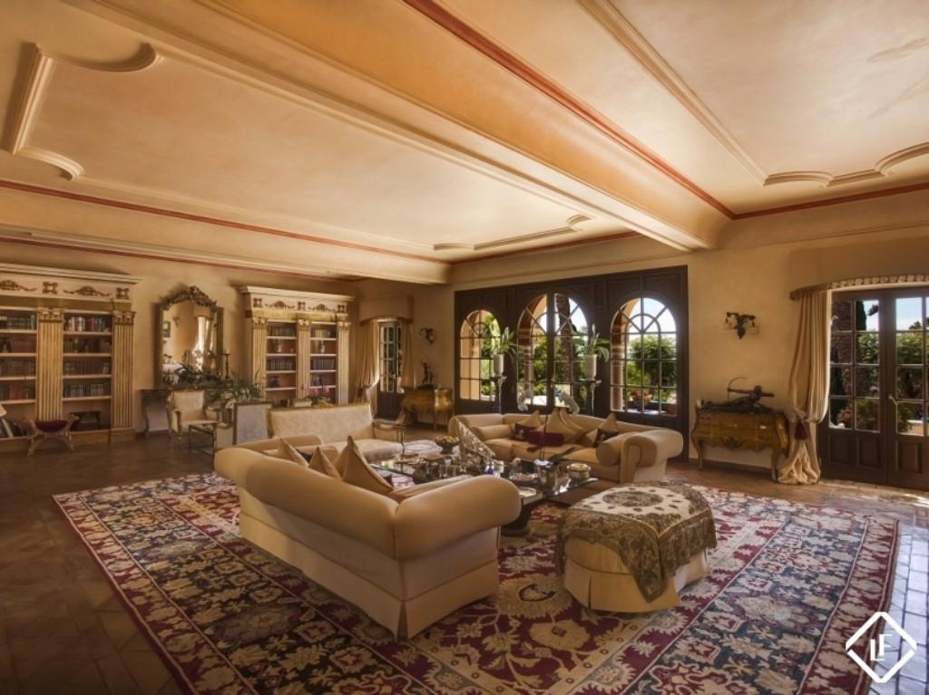 Cool_Malaga_Living Room (1024 x 767)
