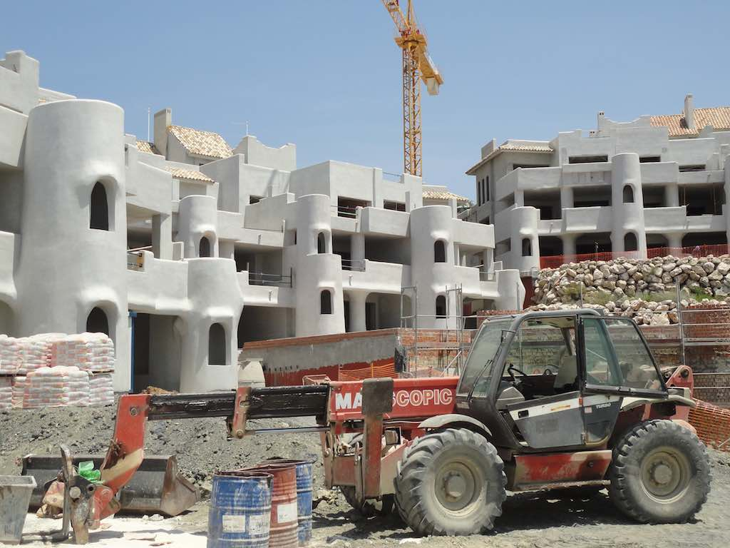 Building again on the Costa del Sol