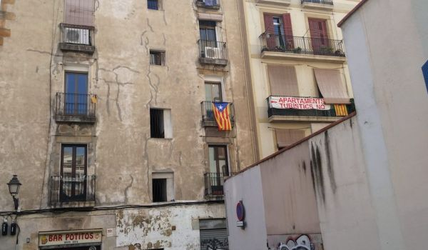 Sign protesting against tourist apartments in Barcelona