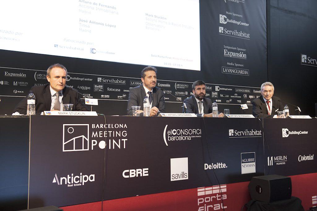 BMP panel discussing the second-home and resort sector. Left to right: Mark Stucklin (Shario & SPI), José Antonio López Ramírez (Tinsa), Arturo de Fernando (Acciona Inmobiliaria), and Prof. José Luis Suarez (IESE).