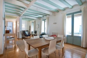 short-stay holiday rental property in barcelona raval district
