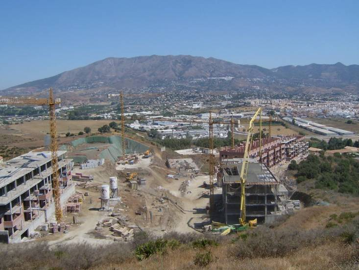 Aifos Hipódromo new development under construction in Mijas 2006. Photo credit Eye On Spain