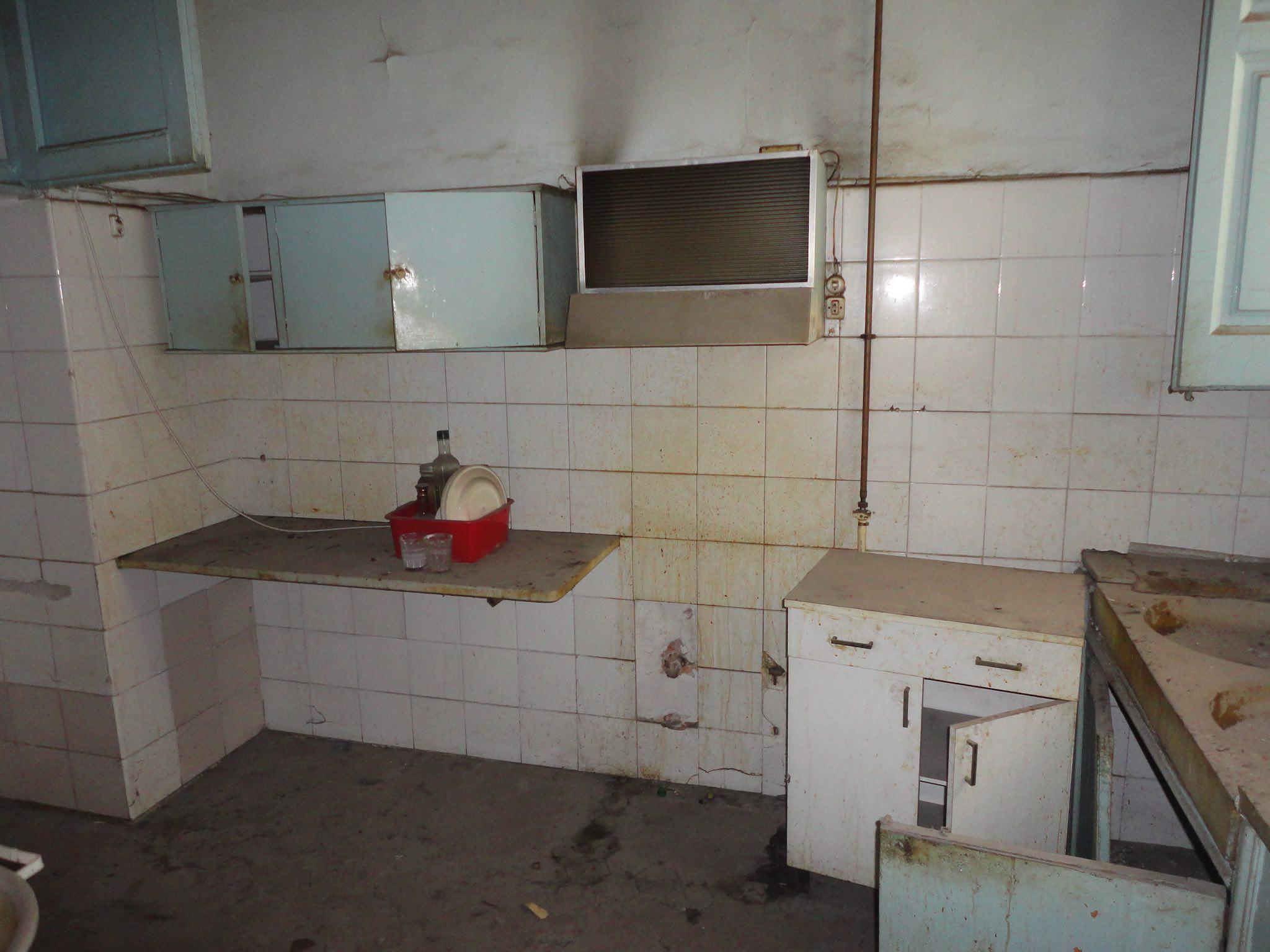 barcelona renovation apartment case study old kitchen