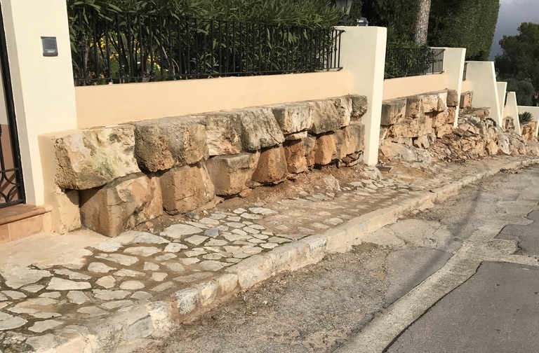 la mola andratx mallorca petition roads infrastructure vecinos de la mola