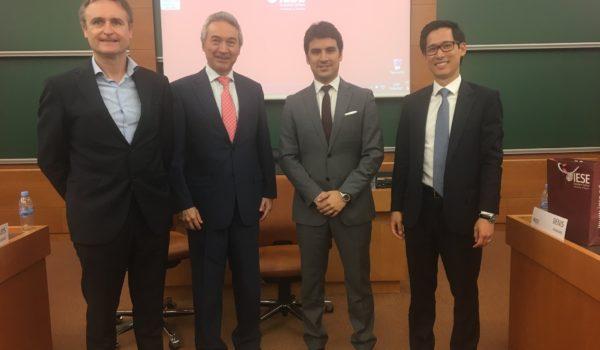 Expert panel discussion of Spanish housing market Left to right: Swiveled-eyed nutter, Prof. José Luis Suárez (IESE), Jordi Armengí (Neinor Homes), Denis Nakagaki (CaixaBank)