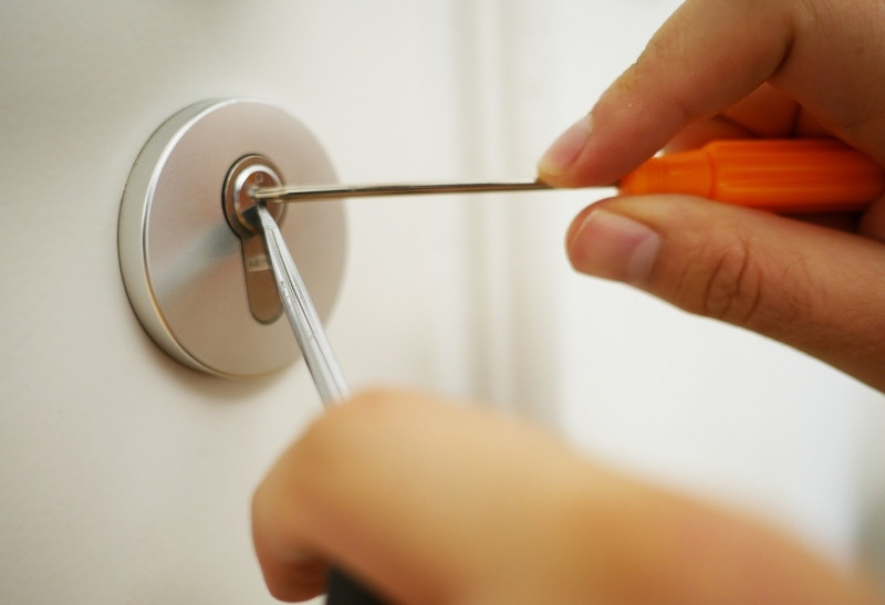 eviction process in spain changing the lock