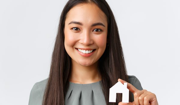 how to choose the right real estate agent in Spain