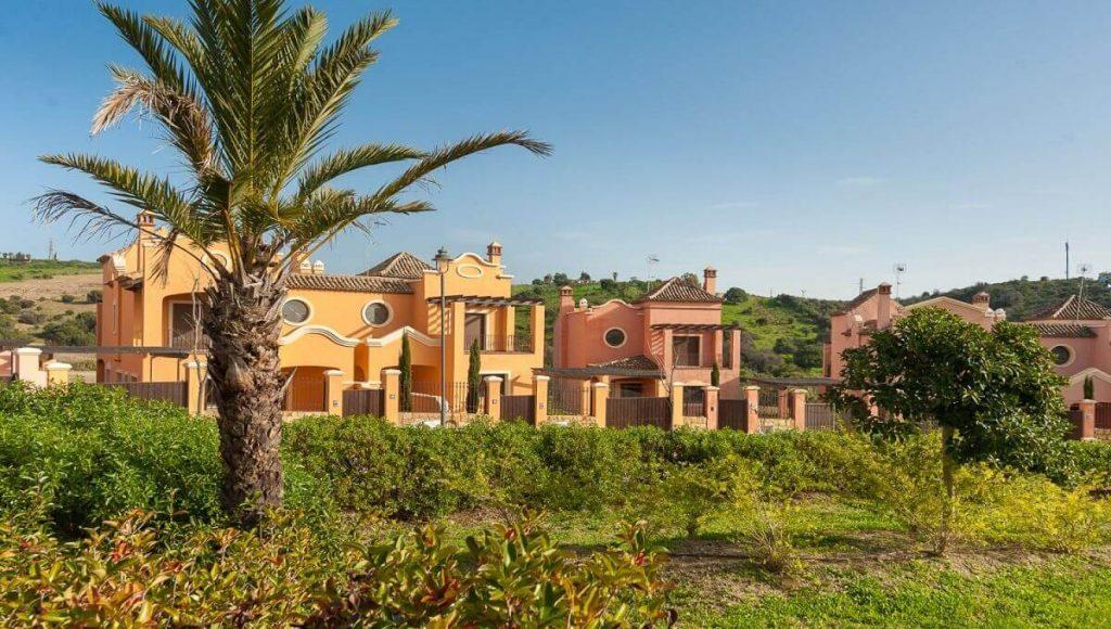 Golf property in Estepona Villa Golf La Costa